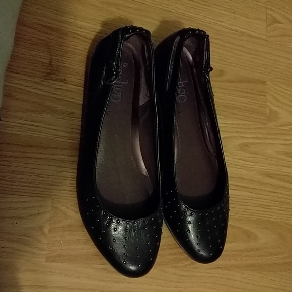 30c2beca7 Clarks Shoes | Black Mini Wedge Flats | Poshmark